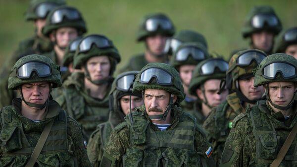Fuerzas de desembarco aéreo rusas concluyen ejercicios antiterroristas en Serbia - Sputnik Mundo