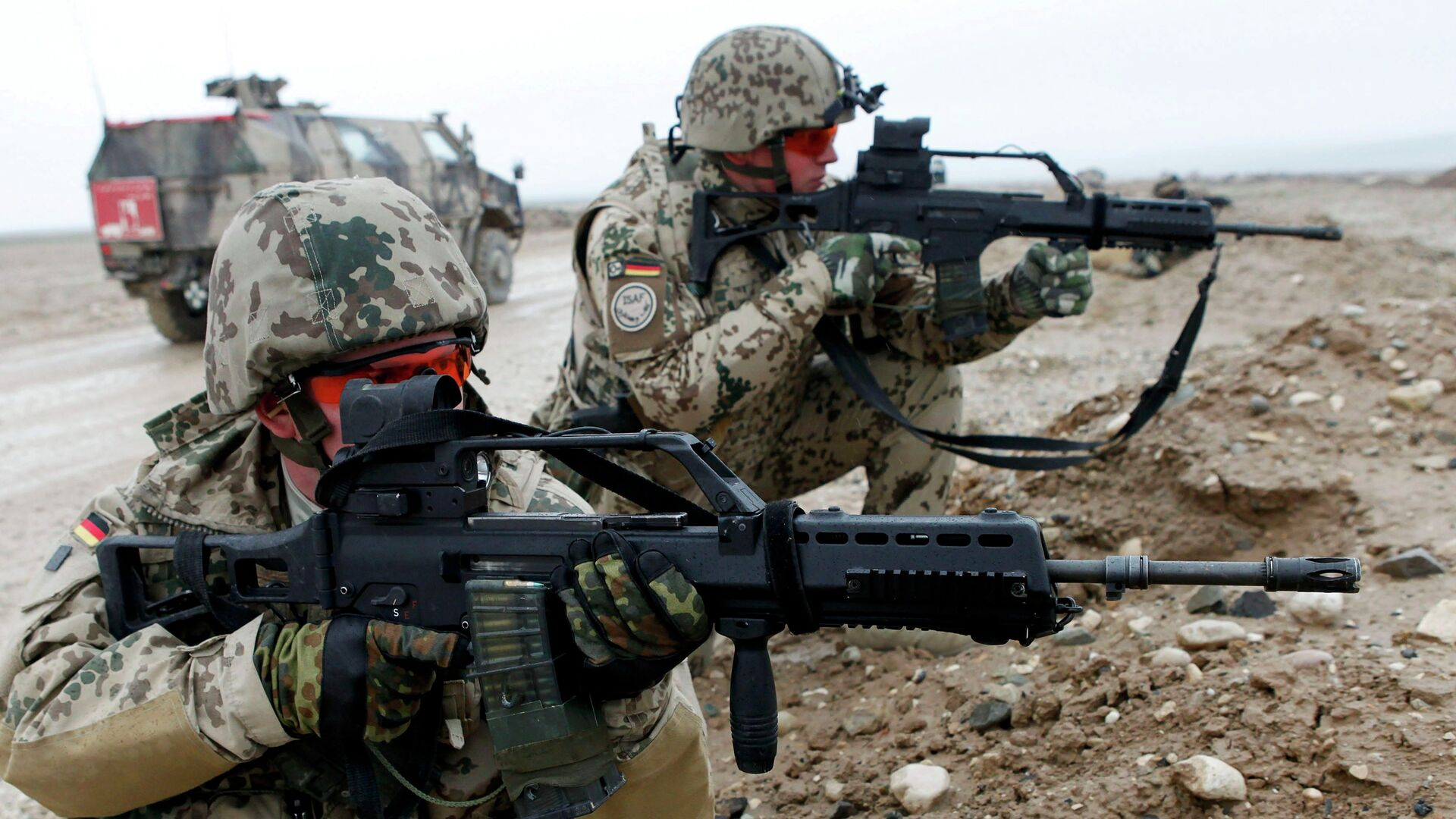 German Bundeswehr army soldiers on the outskirts of Mazar-e-Sharif, north of Kabul, in this file picture taken December 10, 2009 - Sputnik Mundo, 1920, 30.06.2021