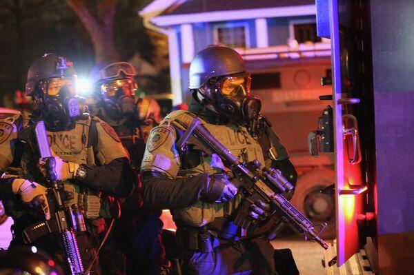 Moscú denuncia el uso desproporcional de la fuerza en Ferguson, EEUU - Sputnik Mundo