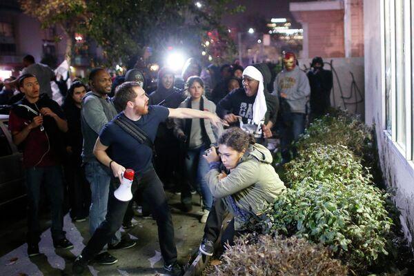 Manifestaciones de protesta en Ferguson, EEUU - Sputnik Mundo