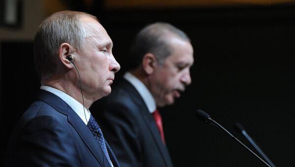 Presidente de Rusia, Vladímir Putin, y su homólogo turco, Recep Tayyip Erdogan (archivo) - Sputnik Mundo