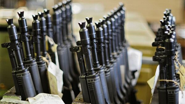 El consorcio Kalashnikov prevé duplicar su producción de armas en un año - Sputnik Mundo