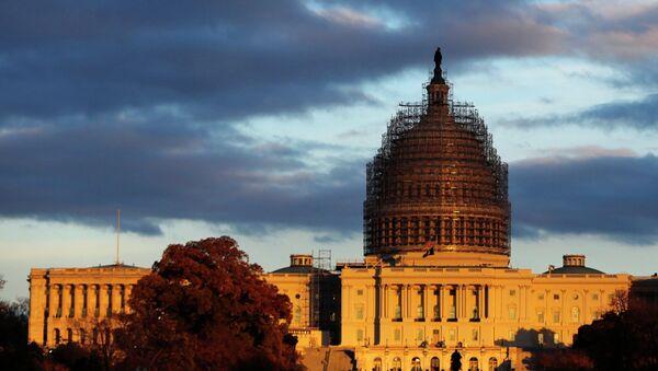 Здание Капитолия в Вашингтоне - Sputnik Mundo