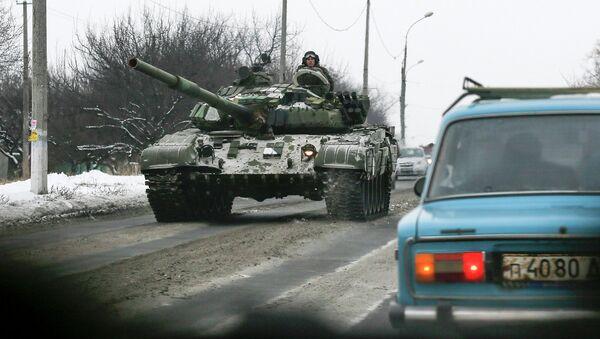 Milicianos prorrusos en el este de Ucrania - Sputnik Mundo