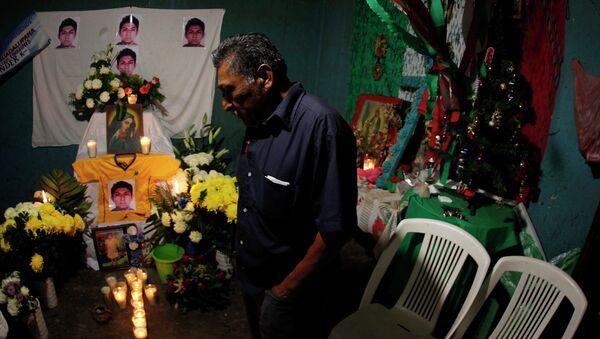 Forenses argentinos plantean nuevos desafíos en caso de 43 desaparecidos en México - Sputnik Mundo