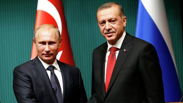 Presidente de Rusia, Vladímir Putin, y el presidente de Turquía, Recep Tayiip Erdogan (Archivo) - Sputnik Mundo